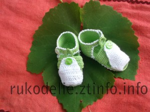 Зеленые сандалики