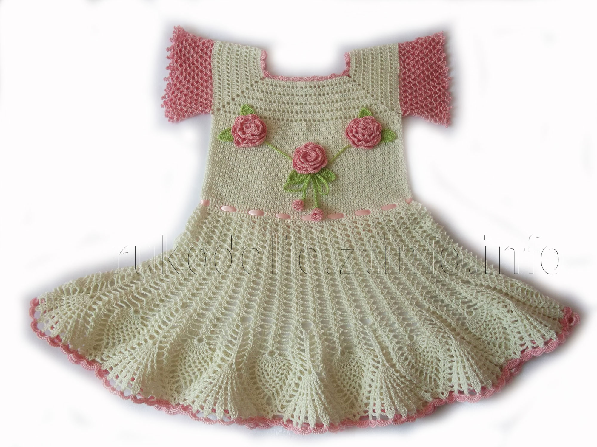 Платье крючком с розами