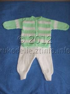 Вязаный костюм для малыша (жакет, штанишки)