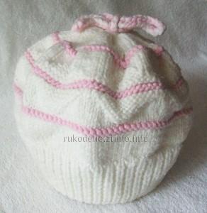 Бело-розовый-беретик-спицами